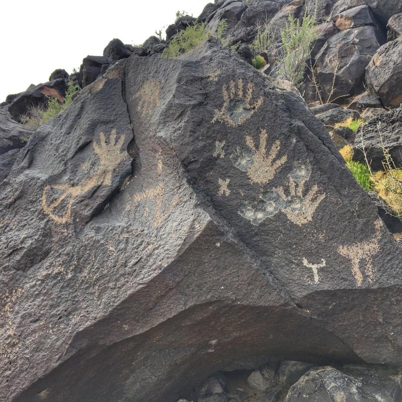 petroglyphs 2.jpg